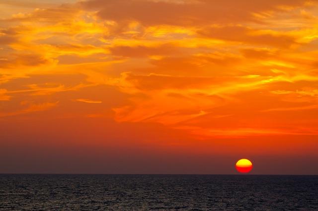 sunset-481976_640