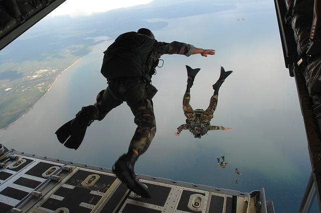 combat-diver-60545_640.jpg