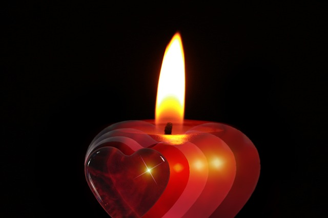 candle-386607_640.jpg