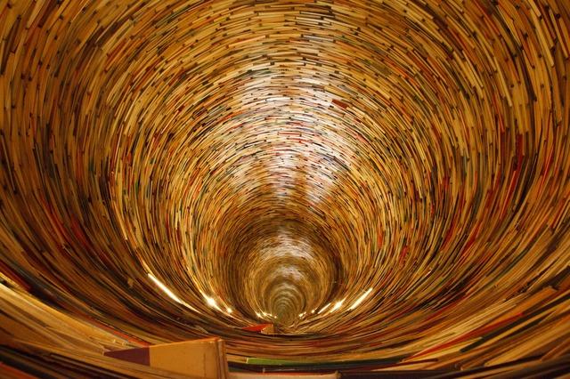book-2869_640.jpg