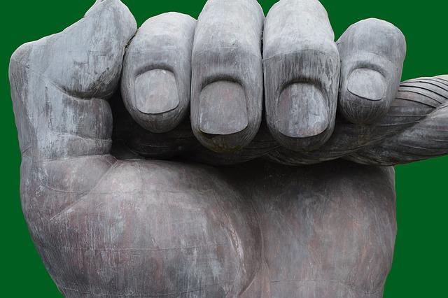 fingers-1263375_640.jpg