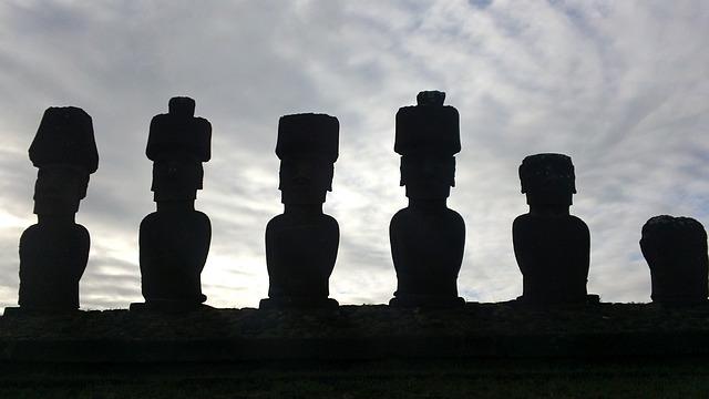 moai-207669_640.jpg