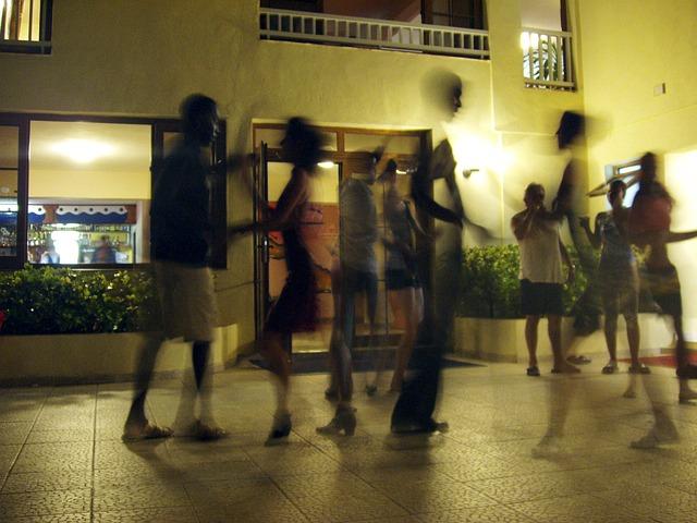 dance-378277_640.jpg