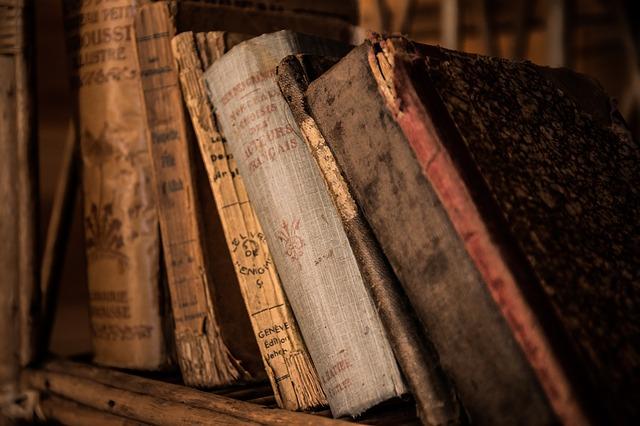 old-books-436498_640.jpg