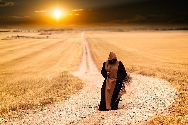 monks-1077839_640.jpg