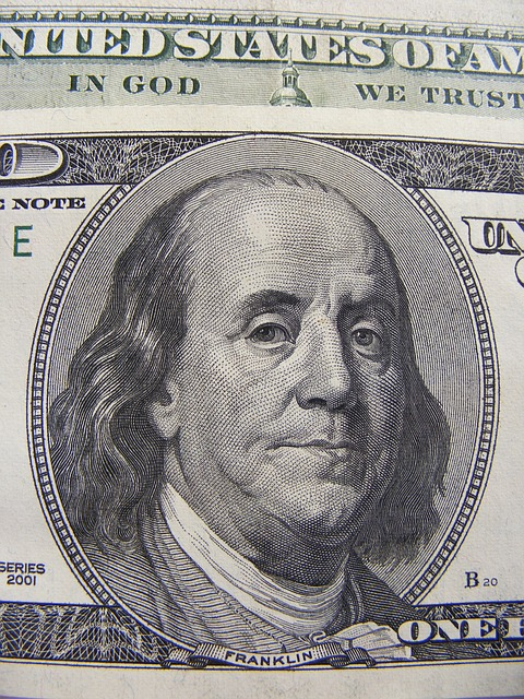 us-dollars-88410_640.jpg