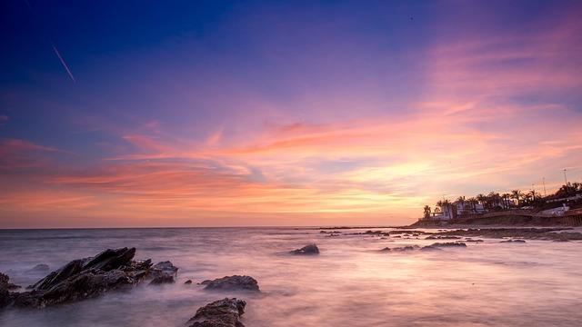 sunset-1226113_640.jpg