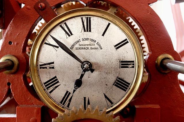clock-tower-190677_640.jpg