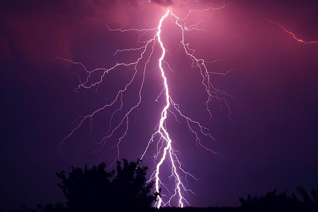 thunder-953118_640.jpg