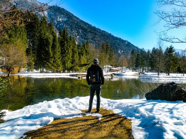 hiking-2298726_640.jpg