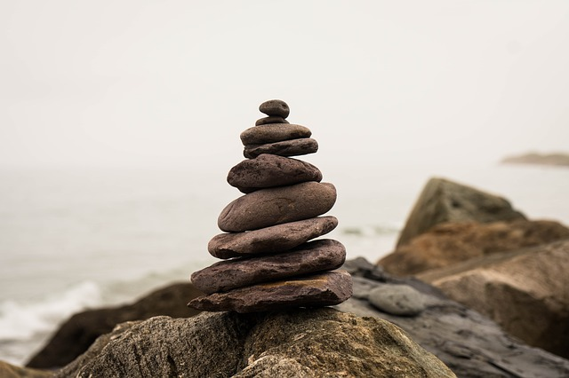 balance-2745786_640.jpg
