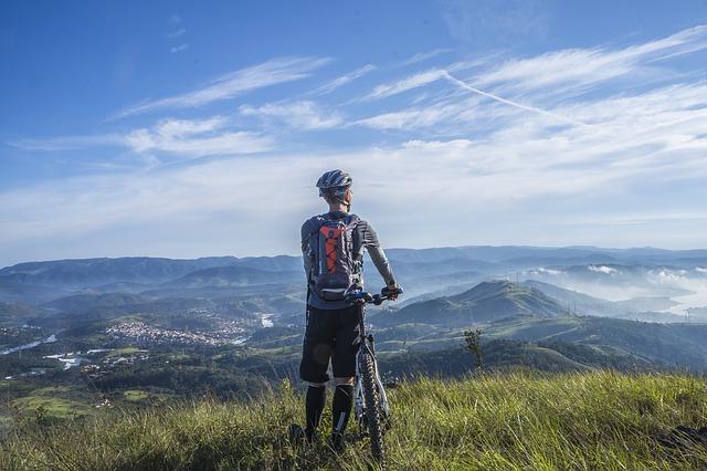cycling-1533270_640.jpg