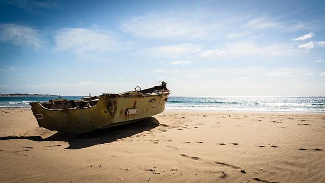 beach-2637281_640.jpg